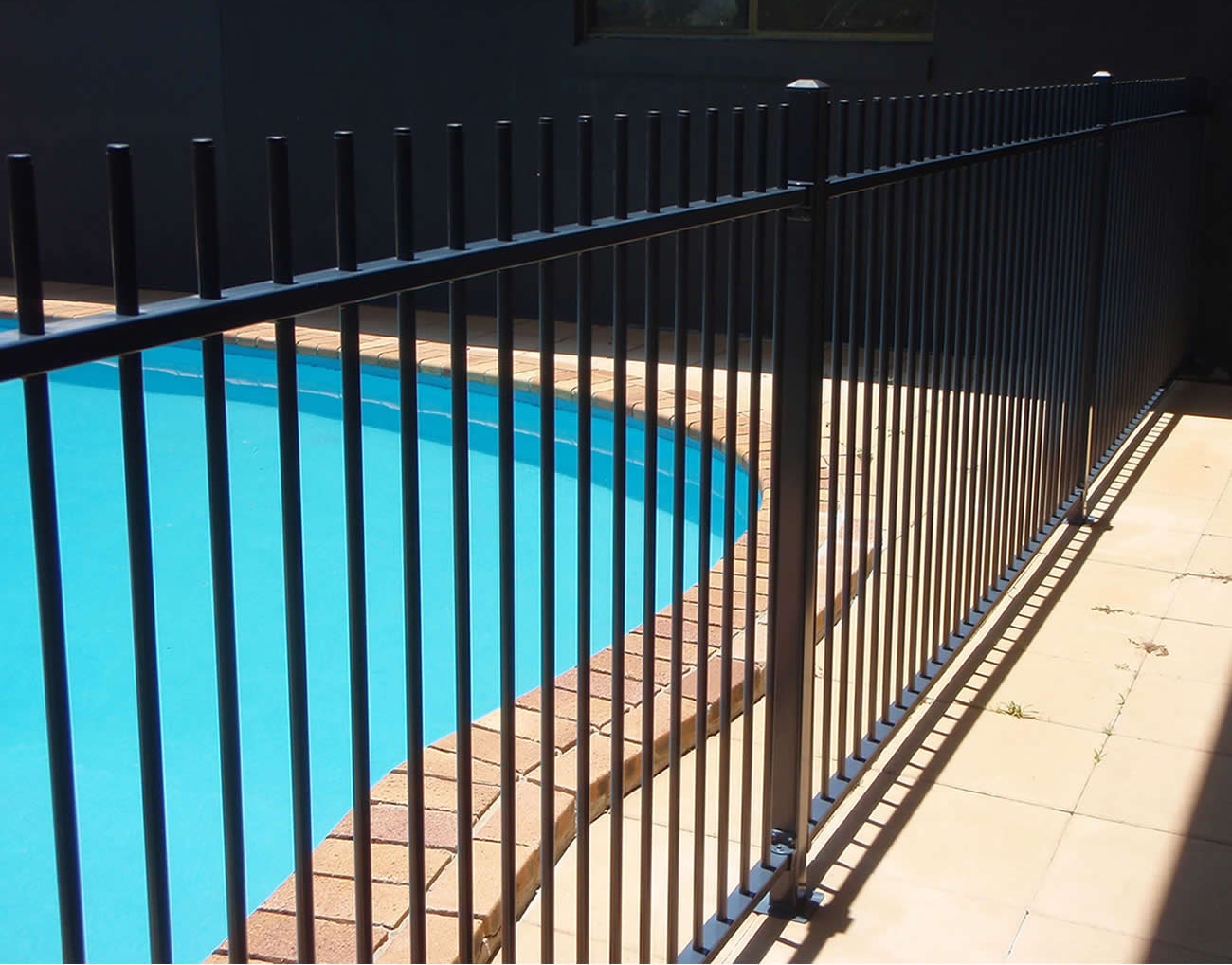 Picket Top Pool Fencing