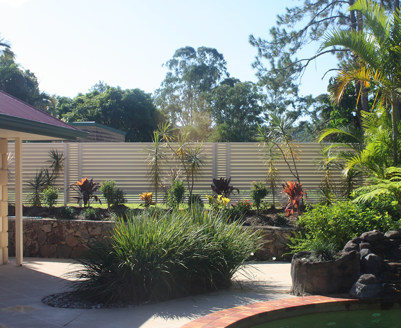 Louvred Pool Fencing